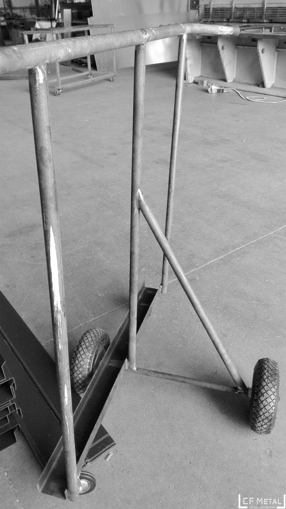 carrello per trasportare mattonelle